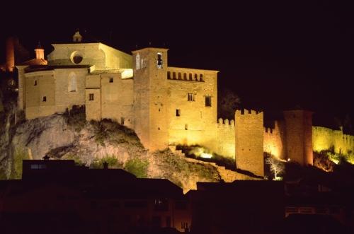 Castillo Colegiata de Santa Maria Alquezar noche