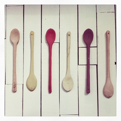 MC cucharas de palo pintadas