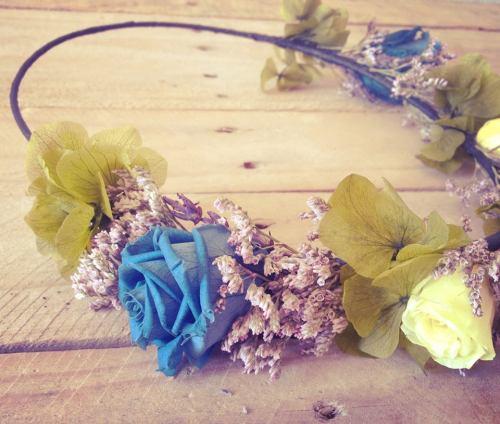 Corona Hip&Love rosas azules