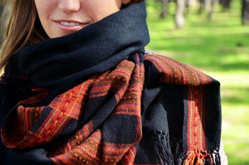 Kachemir negro El Mercado de la Vida mujer modelo